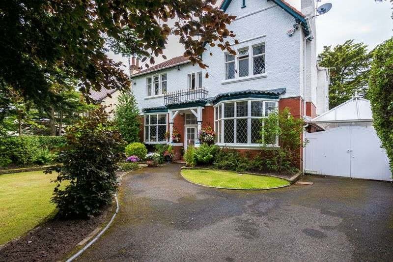 6 Bedrooms Detached House for sale in Brocklebank Road, Hesketh Park, Southport