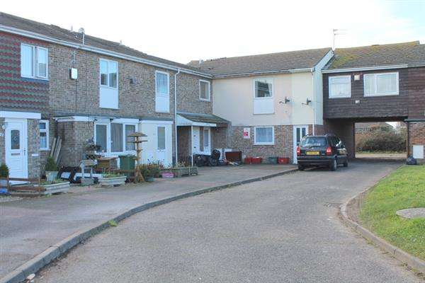 2 Bedrooms Apartment Flat for sale in Melton Close, Clacton on Sea
