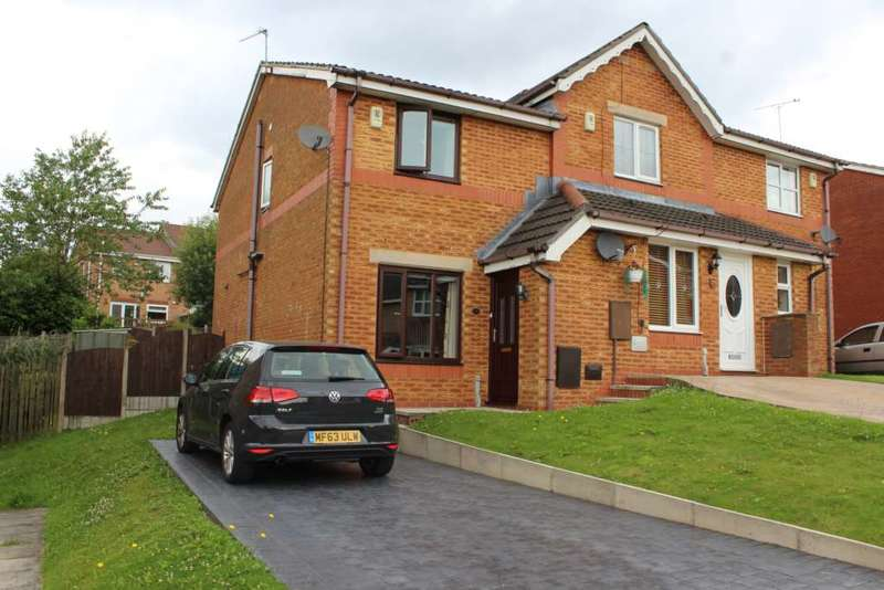 2 Bedrooms Semi Detached House for sale in Titchfield Road, Oldham