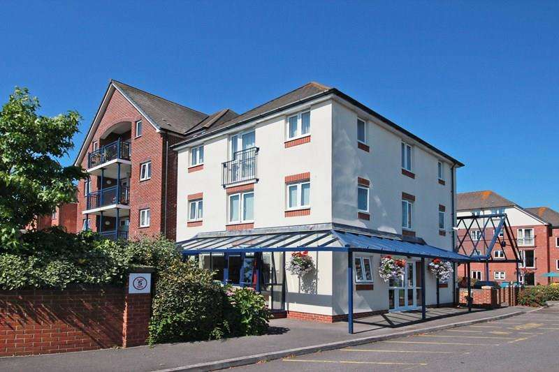 2 Bedrooms Flat for sale in Stour Road, Christchurch