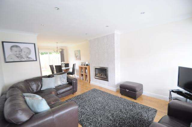 3 Bedrooms Terraced House for sale in Sutton House Road, Hull, HU8 0NJ