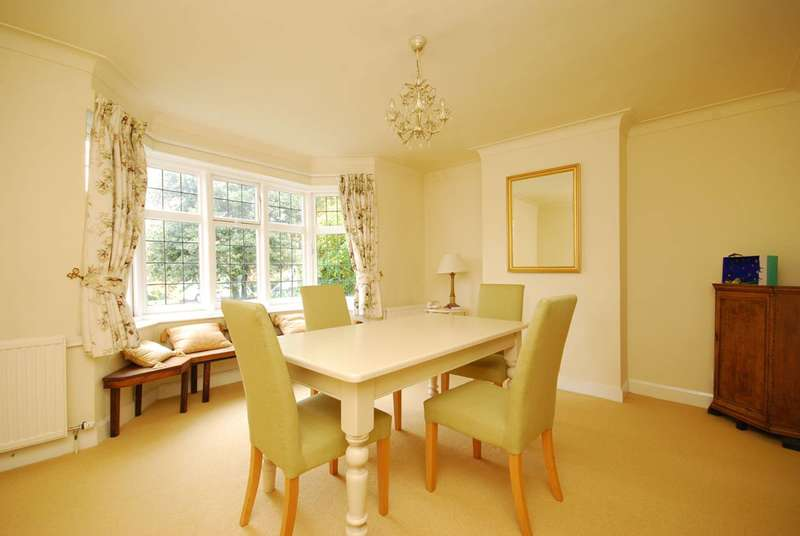 3 Bedrooms House for sale in Village Road, Finchley, N3