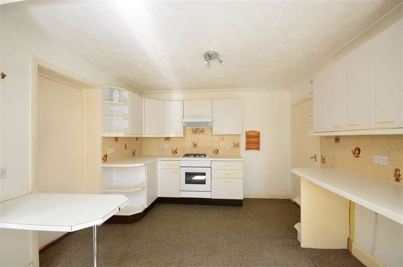 3 Bedrooms Detached House for sale in Gladstone Road, Yapton, Arundel, West Sussex