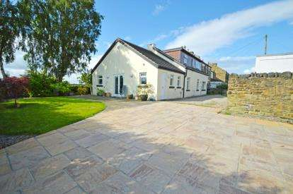 3 Bedrooms Detached House for sale in Highfield Terrace, Pudsey, West Yorkshire
