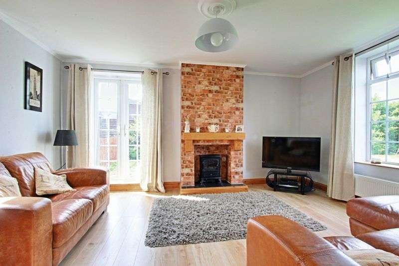 3 Bedrooms Semi Detached House for sale in Pearts Arch, Hessle