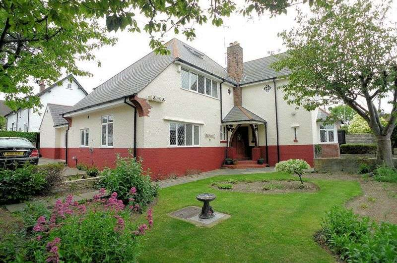 5 Bedrooms Detached House for sale in Aberconway Road, Prestatyn