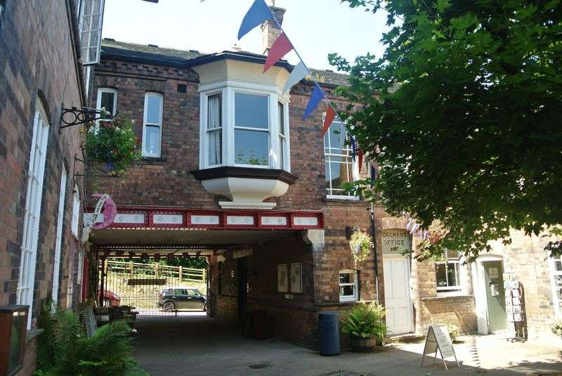 1 Bedroom Flat for sale in Maws Craft Centre, Jackfield, Telford, Shropshire.