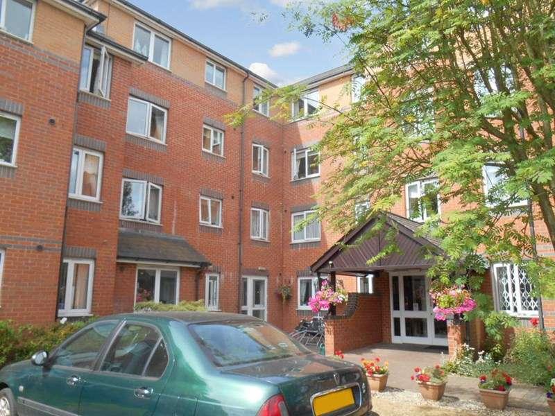 1 Bedroom Retirement Property for sale in Spencer Court, Banbury, OX16 5EZ