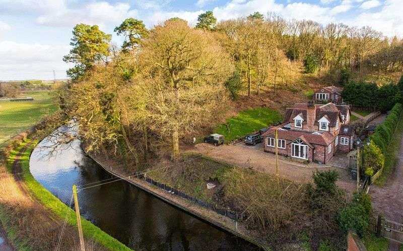 4 Bedrooms Detached House for sale in Bridge House, Greensforge Lane, Stourton, Stourbridge