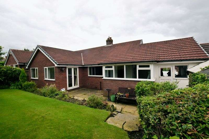 3 Bedrooms Detached Bungalow for sale in Blackburn Road, Edgworth, Bolton