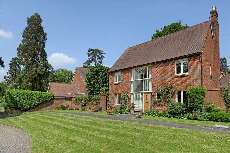 4 Bedrooms Detached House for sale in Grenehurst Park, Horsham Road, Capel, Surrey, RH5