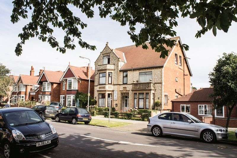 11 Bedrooms Detached House for sale in Ida Road, Skegness