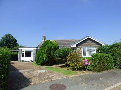 3 Bedrooms Bungalow for sale in Brighstone, Newport, Isle Of Wight