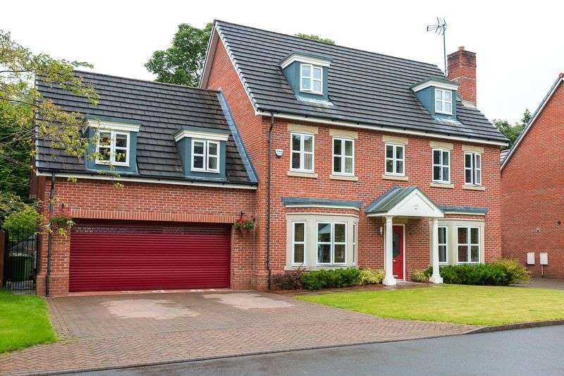 5 Bedrooms Detached House for sale in Woodlands Park Close, Wigan