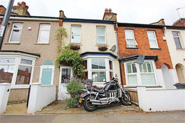 2 Bedrooms Terraced House for sale in Sanderstead Road, South Croydon