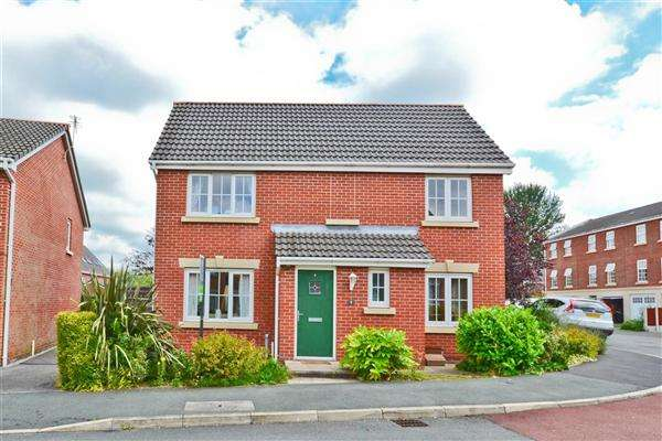 4 Bedrooms Detached House for sale in Wessex Drive, Wigan
