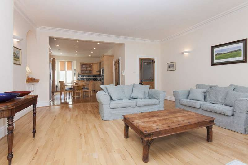7 Bedrooms Terraced House for sale in 74 Fore Street, Salcombe