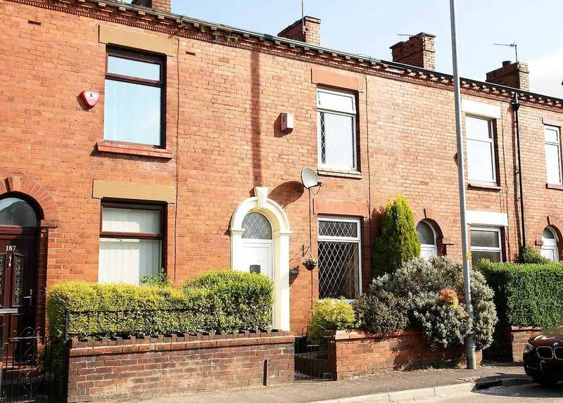 2 Bedrooms Terraced House for sale in 185 Middleton Road, Royton