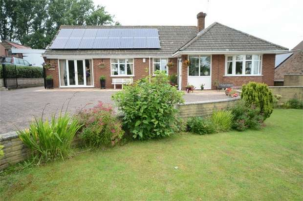 4 Bedrooms Detached Bungalow for sale in Plough Hill, Potterhanworth, Lincoln