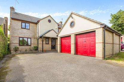 4 Bedrooms Detached House for sale in Heath Road, Warboys, Huntingdon, Cambridgeshire