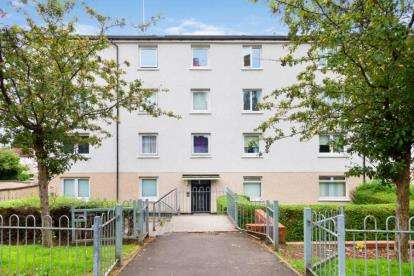 2 Bedrooms Flat for sale in Morefield Road, Glasgow, Lanarkshire