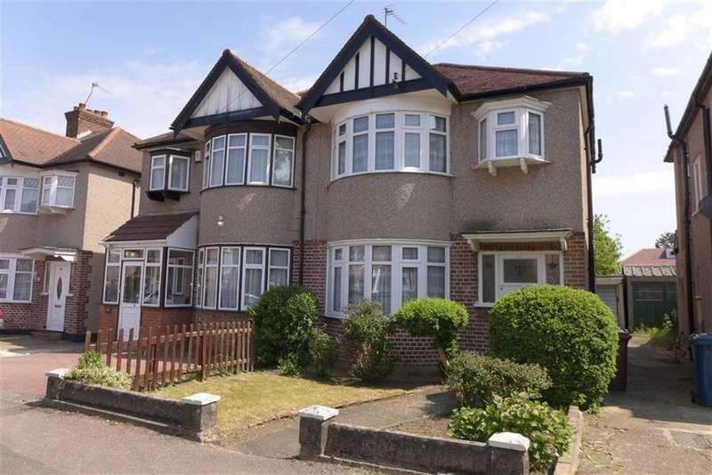 3 Bedrooms Property for sale in Formby Avenue, Stanmore, Middlesex