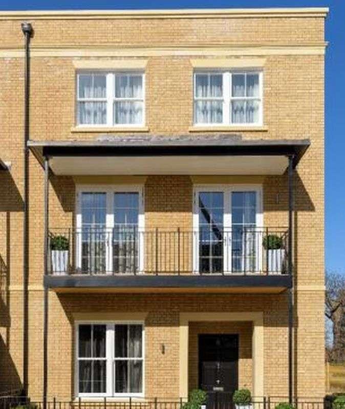 2 Bedrooms Flat for sale in Wimbledon Hill Park, Dukes Gardens East, Wimbledon, SW20