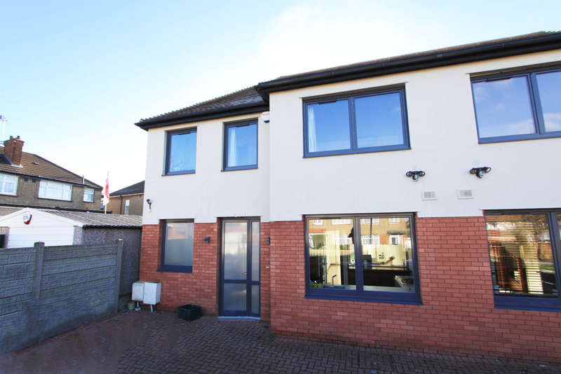 4 Bedrooms Semi Detached House for sale in Chatsworth Gardens, Harrow
