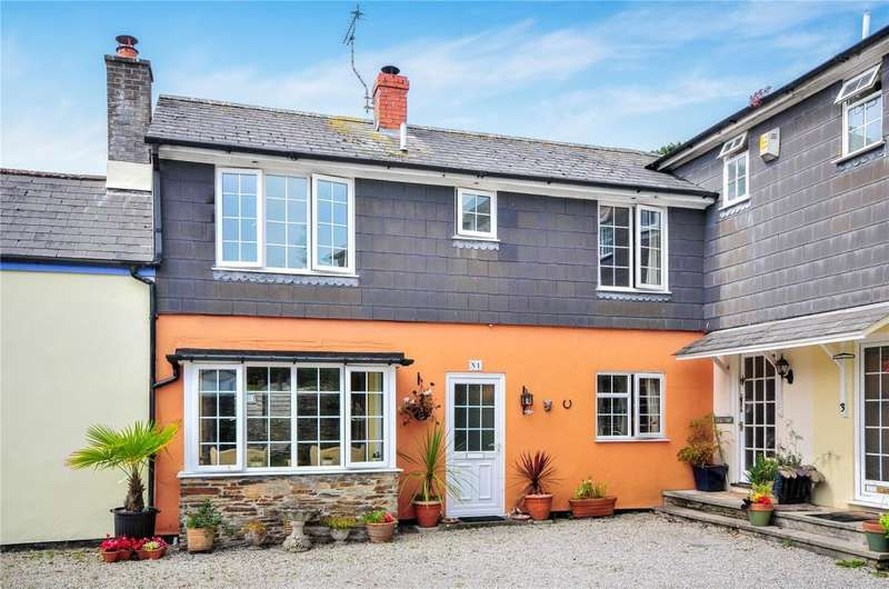 2 Bedrooms Terraced House for sale in Little Court, Fore Street, Tregony