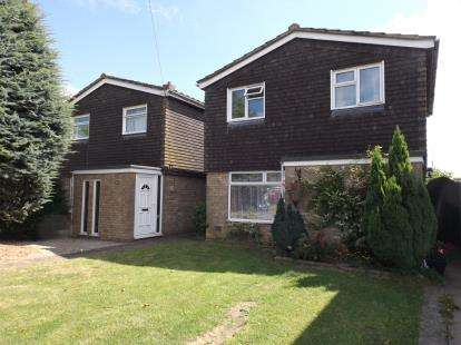 3 Bedrooms Detached House for sale in Wymondham, Norfolk
