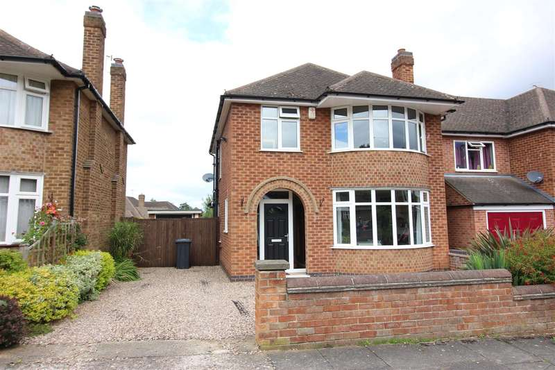 3 Bedrooms Property for sale in Valmont Road, Bramcote