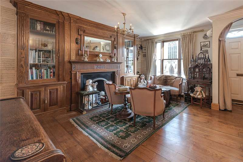 3 Bedrooms Semi Detached House for sale in The Mount, Hampstead, London, NW3