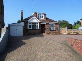 4 Bedrooms Bungalow for sale in Sandling Lane, Penenden Heath, Maidstone, Kent