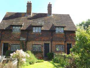 2 Bedrooms Terraced House for sale in Fosters Farm Cottages, Hayesden Lane, Tonbridge, Kent