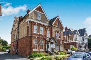 2 Bedrooms Flat for sale in Molyneux Park Road, Tunbridge Wells, Kent