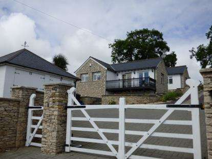 3 Bedrooms Detached House for sale in Ffordd Trelan, Cilcain, Mold, Flintshire, CH7