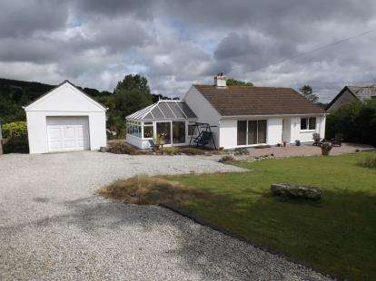 2 Bedrooms Bungalow for sale in Lanner, Redruth, Cornwall