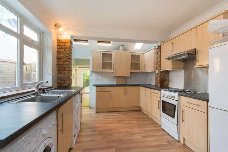 2 Bedrooms Flat for sale in Thorkhill Road, Thames Ditton, KT7