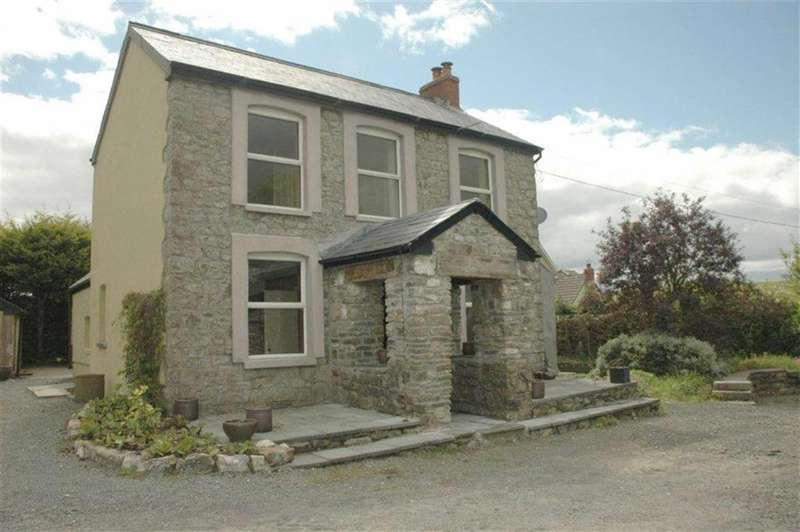 3 Bedrooms Property for sale in Rhosfa Road, Upper Brynamman