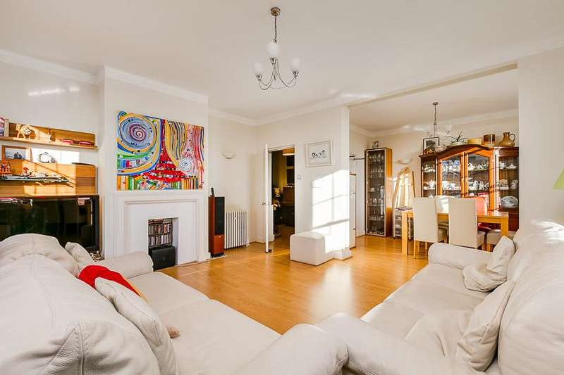 3 Bedrooms Flat for sale in North End House, Fitzjames Avenue, London, W14