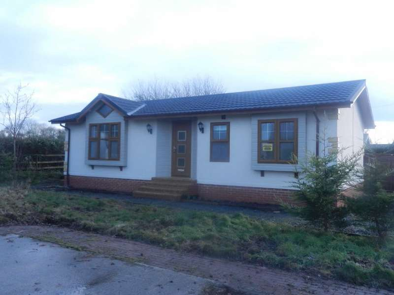 2 Bedrooms Park Home Mobile Home for sale in Three Counties Park, Sledge Green, Berrow, Tewkesbury, Worcestershire, WR13 6JW