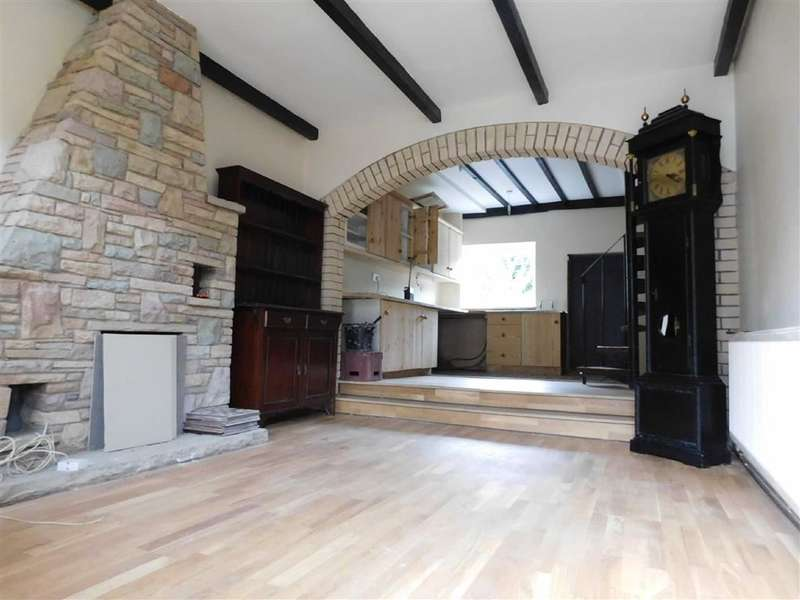 3 Bedrooms Property for sale in Compstall Road, Marple Bridge, Stockport