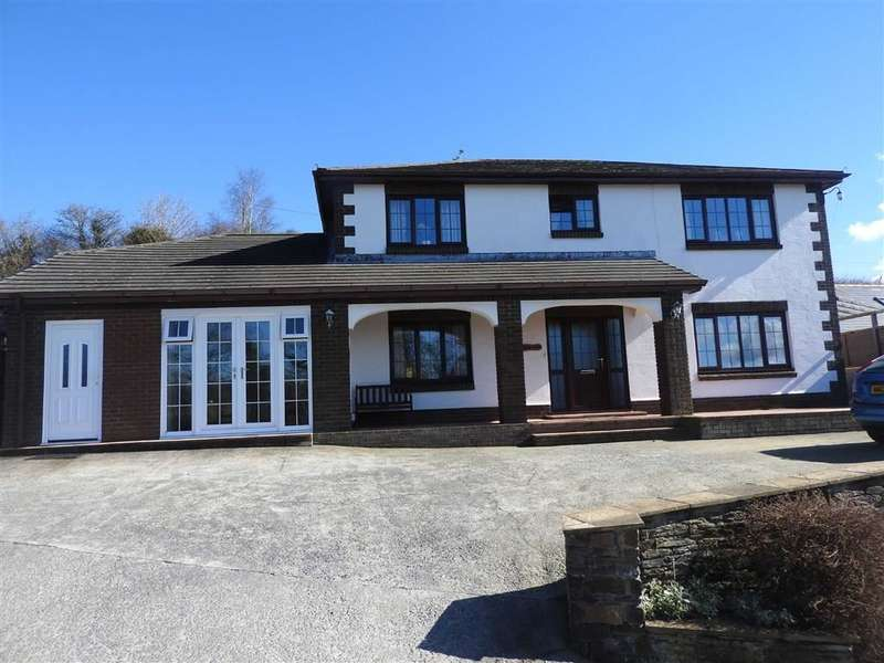 4 Bedrooms Detached House for sale in Lady Road, LLECHRYD