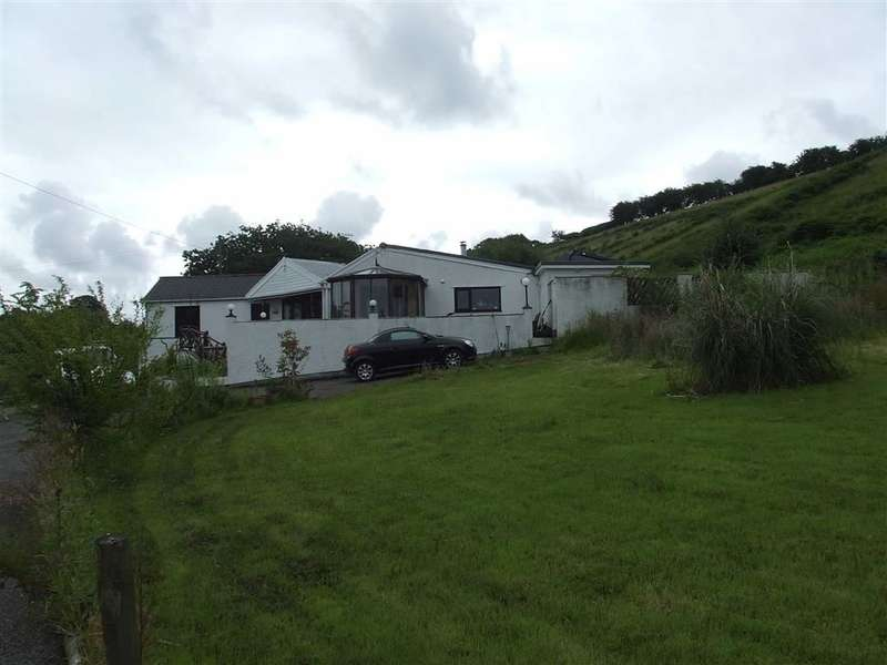 3 Bedrooms Property for sale in Penclawdd Road, Penclawdd