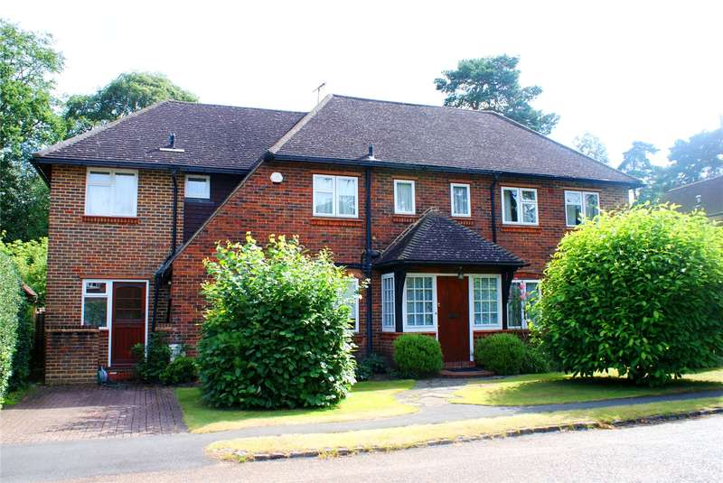 5 Bedrooms Detached House for sale in Oatlands Close, Weybridge, Surrey, KT13