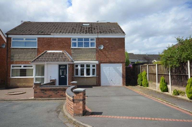 3 Bedrooms Semi Detached House for sale in Radnor Drive, Widnes