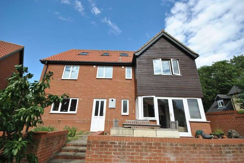 6 Bedrooms Detached House for sale in The Glebe, Dereham