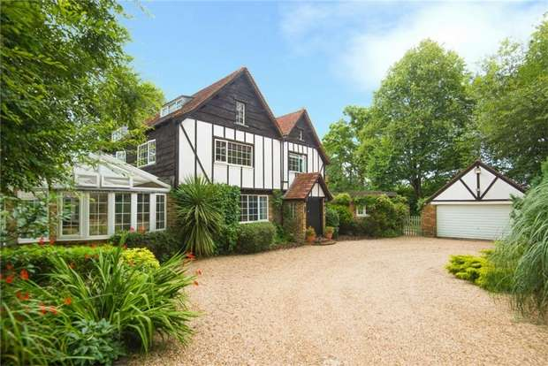 4 Bedrooms Detached House for sale in Alderbourne Lane, Fulmer, Buckinghamshire