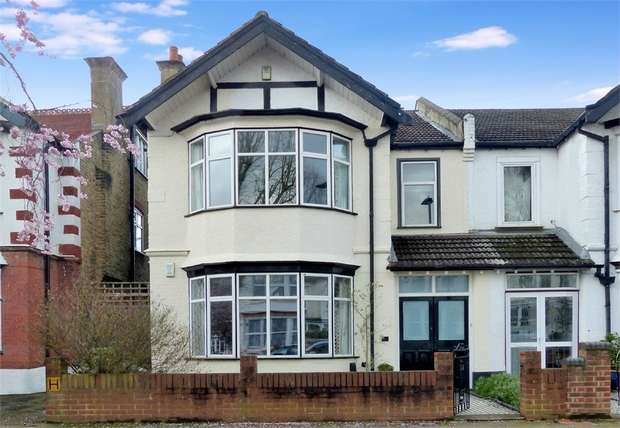 5 Bedrooms Semi Detached House for sale in Forster Road, BECKENHAM, Kent