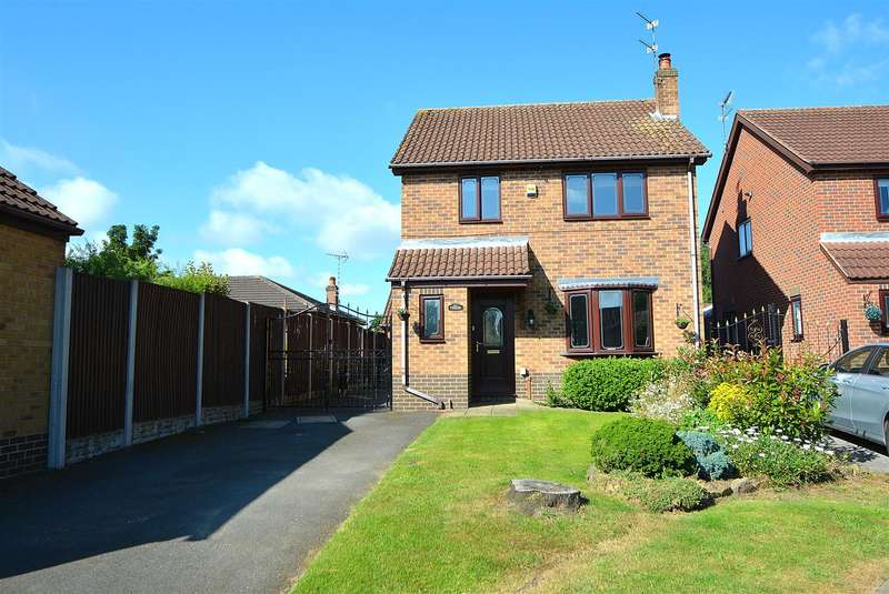 3 Bedrooms Detached House for sale in Ashview Close, Long Eaton